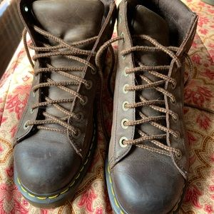 Brown chunky doc martens men's size 10